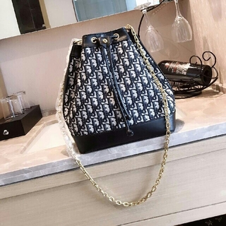 クリスチャンディオール(Christian Dior)のバッグショルダーバッグハンドバッグメッセンジャーバッグ(ショルダーバッグ)