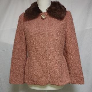 ストロベリーフィールズ(STRAWBERRY-FIELDS)の美品 ストロベリーフィールズ ファー付ピンクのノーカラーショートコート サイズ無(毛皮/ファーコート)