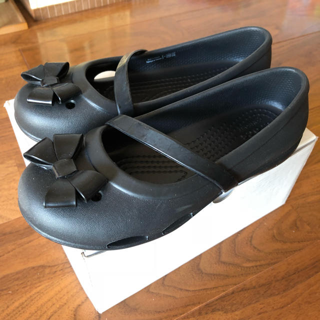 crocs(クロックス)のクロックス キッズパンプス 19センチ キッズ/ベビー/マタニティのキッズ靴/シューズ (15cm~)(サンダル)の商品写真