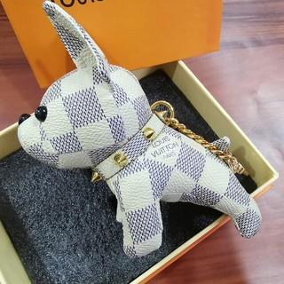 LOUIS VUITTON - ルイ・ヴィトン キーホルダー バッグ飾り、犬  贈りの物