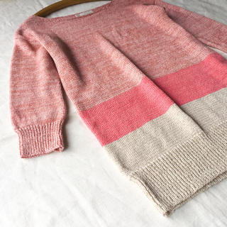 エニィスィス(anySiS)の【美品】any SiS リネン混 ムラ染め糸で編んだピンクのボーダーニット(ニット/セーター)