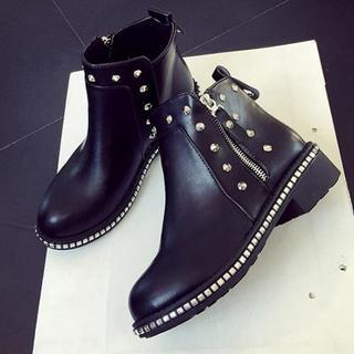 美脚  新品 新作 リベット  マーティンブーツ   靴ブラック  (ブーツ)