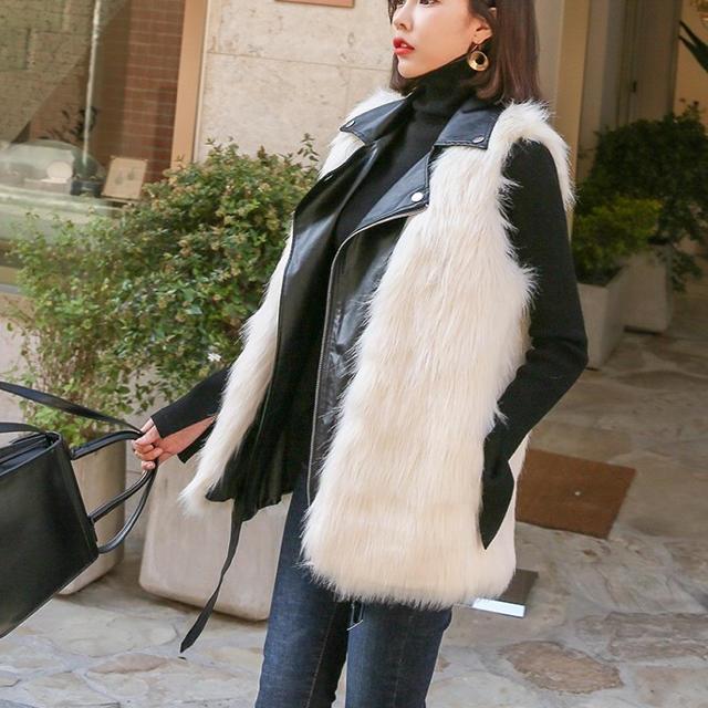 rienda(リエンダ)のファーベスト(ホワイト) レディースのジャケット/アウター(毛皮/ファーコート)の商品写真