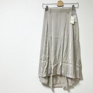 ティティアンドコー(titty&co)のtitty&Co. <新品>ヴィンテージサテンスカート(ひざ丈スカート)