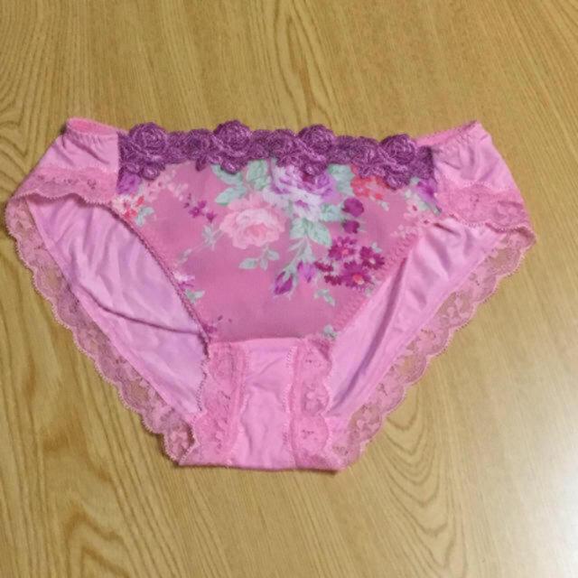Wacoal(ワコール)の未使用 ワコール 花柄 刺繍 レース ショーツ Lサイズ ピンク系 レディースの下着/アンダーウェア(ショーツ)の商品写真