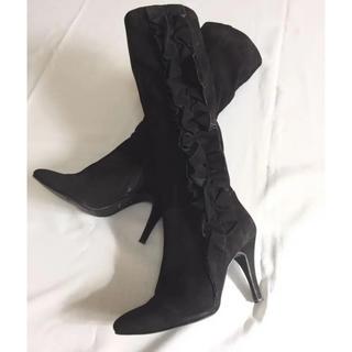 プールサイド(POOL SIDE)のプールサイド フリル付き 美脚スウェードブーツ 黒 24(ブーツ)