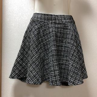 ワンウェイ(one*way)の【one  way】黒と白のチェック風フレアスカート(ミニスカート)