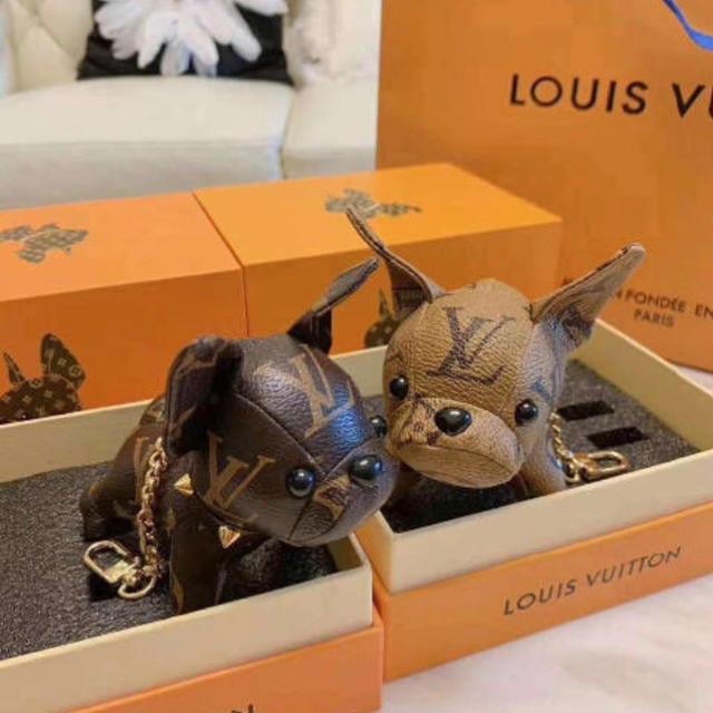 LOUIS VUITTON(ルイヴィトン)のワンちゃん キーホルダー レディースのファッション小物(キーホルダー)の商品写真