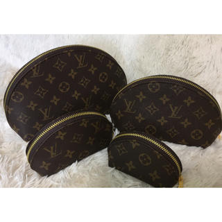 LOUIS VUITTON - ポーチ 4点セット