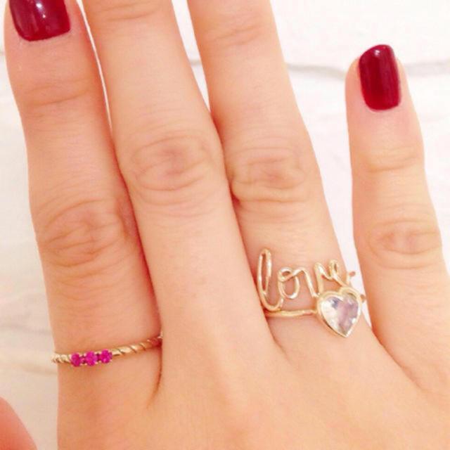 AHKAH(アーカー)のエナソルーナ Loveリング レディースのアクセサリー(リング(指輪))の商品写真