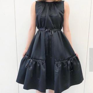 メゾンドフルール(Maison de FLEUR)のリボンノースリーブドレス(ひざ丈ワンピース)