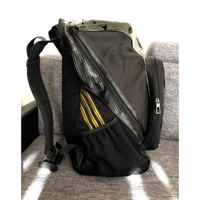 adidas(アディダス)のこまっちゃん様専用    大容量リュック 黒  エナメル×ナイロン メンズのバッグ(バッグパック/リュック)の商品写真