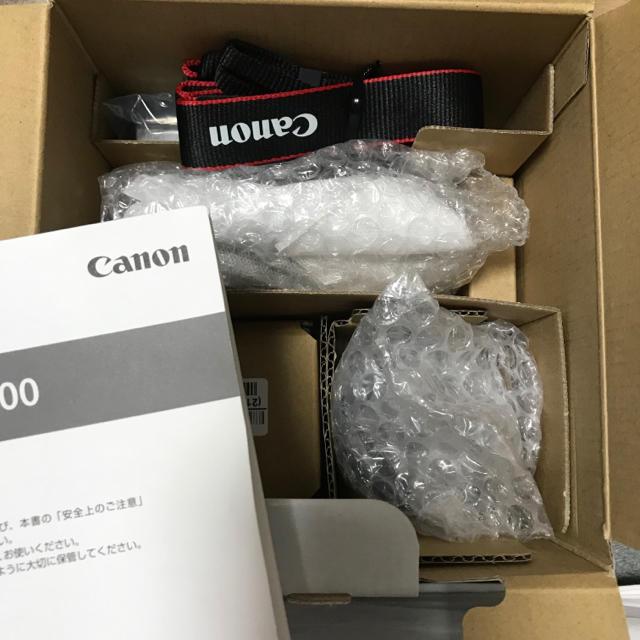 Canon(キヤノン)のCanon EOS M100 ダブルレンズキット 黒 スマホ/家電/カメラのカメラ(ミラーレス一眼)の商品写真