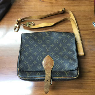 LOUIS VUITTON - LOUISVUITTON ショルダーバック
