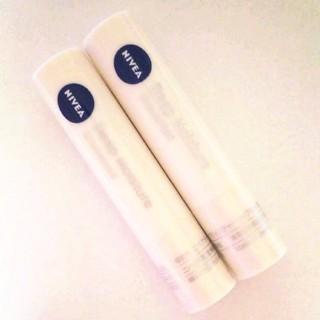 ニベア - ニベア ディープモイスチャー リップクリーム 無香料 2本セット 未使用