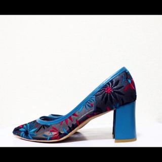 ダイアナ(DIANA)の23cm*美品*DIANA 花柄 刺繍 チュール ミドルヒール パンプス(ハイヒール/パンプス)