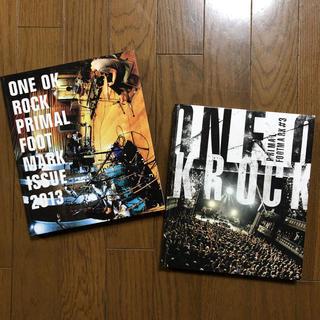 ワンオクロック(ONE OK ROCK)のONE OK ROCK PRIMALFOOTMARK 2冊(ミュージシャン)