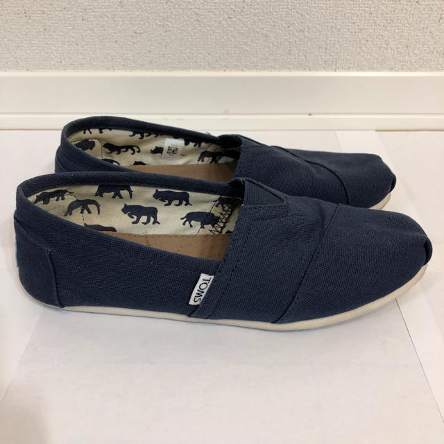 TOMS(トムズ)のTOMS スリッポン ネイビー 25.0cm 美品 メンズの靴/シューズ(スリッポン/モカシン)の商品写真