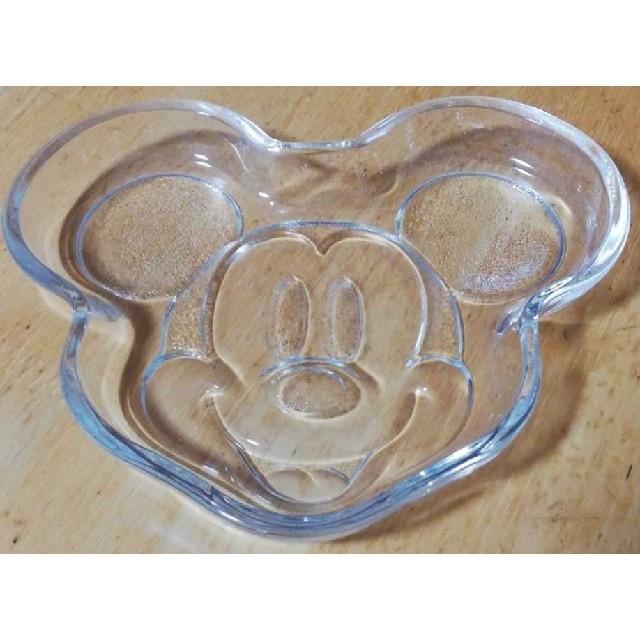Disney(ディズニー)のミッキーマウス ガラス皿 エンタメ/ホビーのおもちゃ/ぬいぐるみ(キャラクターグッズ)の商品写真