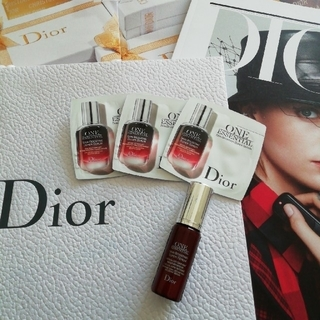 クリスチャンディオール(Christian Dior)の専用出品ワンエッセンシャルセラム 10ml分とホワイトシリーズ(美容液)