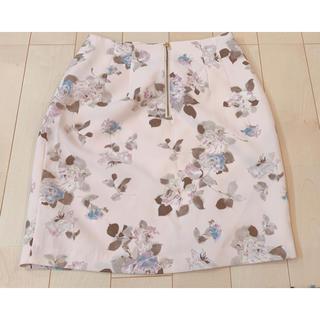 アプワイザーリッシェ(Apuweiser-riche)の花柄スカート(ミニスカート)