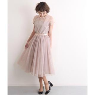 メルロー(merlot)のmerlot plus デコルテシースルーチュールスカートワンピース(ミディアムドレス)