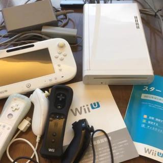 Wii U - 任天堂 WiiU 白(8GB)本体、ゲームパッド&コントローラ2個