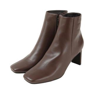ティティベイト(titivate)のtitivate スクエアトゥデザインヒールショートブーツ(ブーツ)