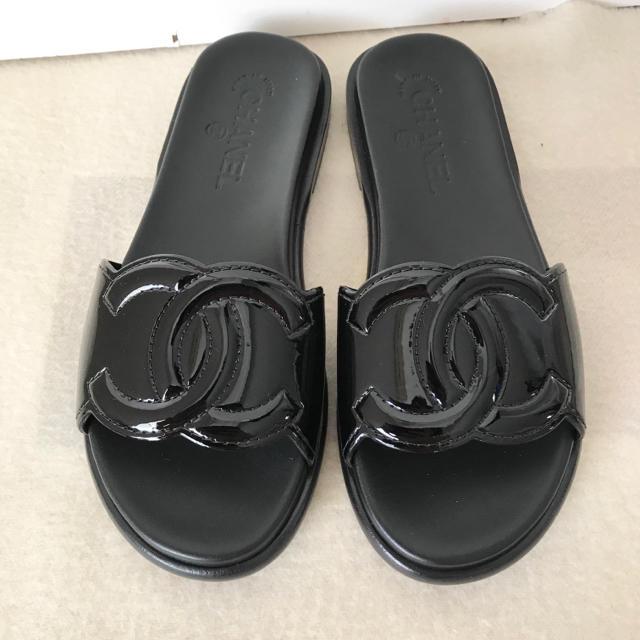 CHANEL(シャネル)のシャネル サンダル フラット スリッパ シューズ ココマーク 未使用 17S レディースの靴/シューズ(サンダル)の商品写真