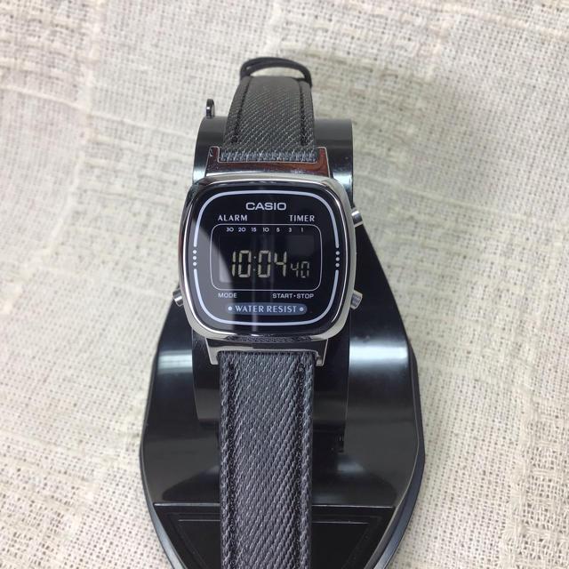 CASIO - 【海外モデル 反転液晶 チプカシ】カシオ腕時計 CASIO  ブラック液晶モデルの通販