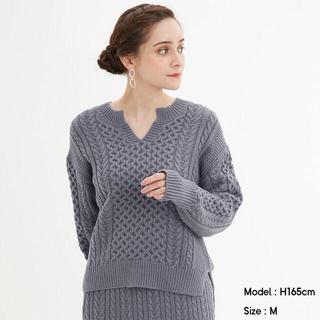 GU - 明日まで値下げ【美品】GU ケーブルキーネックセーター ブルー