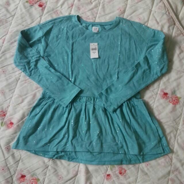 GAP(ギャップ)のGAPトップス130 キッズ/ベビー/マタニティのキッズ服 女の子用(90cm~)(Tシャツ/カットソー)の商品写真