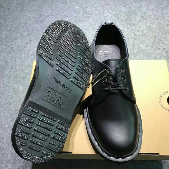 Dr.Martens(ドクターマーチン)のUK5☆セール☆ Dr.Martens 3ホール 靴 シューズ 正規品 メンズの靴/シューズ(ブーツ)の商品写真