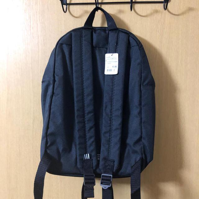 adidas(アディダス)のadidas バックパック 黒 レディースのバッグ(リュック/バックパック)の商品写真
