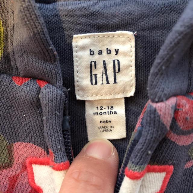 babyGAP(ベビーギャップ)のベビーギャップ パーカー キッズ/ベビー/マタニティのキッズ服 女の子用(90cm~)(カーディガン)の商品写真