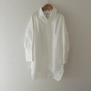 マディソンブルー(MADISONBLUE)のマディソンブルー J.BRADLEY CUFF SHIRT 白シャツ(シャツ/ブラウス(長袖/七分))