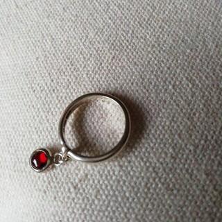 赤色石アクセント シルバーアクセサリー 銀製 指輪(リング(指輪))