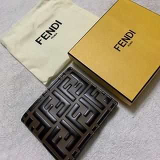 FENDI - 【日本未入荷】FENDI 折りたたみ財布 メンズ