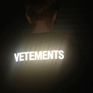 vetements staff dude9 tシャツ