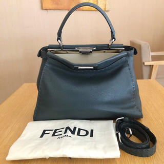 FENDI - FENDI フェンディ ピーカブー  ミディアム セレリア バッグ グレー