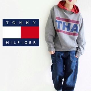 トミーヒルフィガー(TOMMY HILFIGER)の【超激レア!】90s 赤×グレー Tommy BIGロゴ トミーカラー パーカー(パーカー)