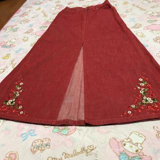 ピンクハウス(PINK HOUSE)のピンクハウス💖さくらんぼ🍒刺繍いっぱい・大胆スリット素敵なデニムちょっと訳有(ロングスカート)