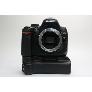 Nikon - Nikon D5000