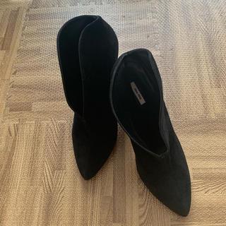 ミュウミュウ(miumiu)の即購入大歓迎 ☆ ミュウミュウ ショートブーツ(ブーツ)