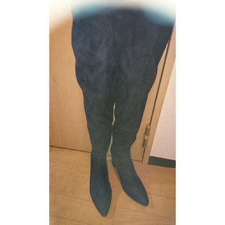 セシルマクビー(CECIL McBEE)のセシルマクビーニーハイブーツ(ブーツ)