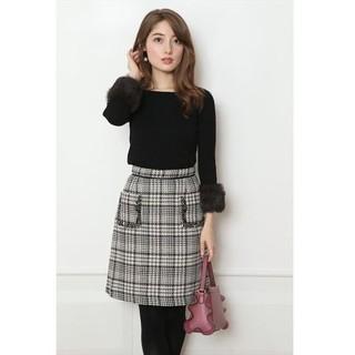 アプワイザーリッシェ(Apuweiser-riche)のポケット刺繍スカート(ミニスカート)