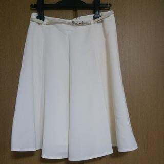 ミューズ(Mew's)のMEW'S REFINED CLOTHES 白 スカート (ひざ丈スカート)