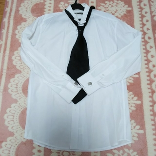 シャツ ネクタイ カフスボタン セット(シャツ)