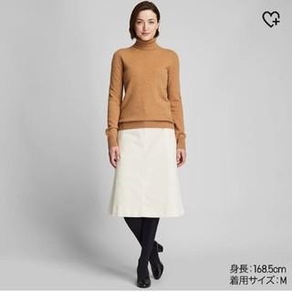 ユニクロ(UNIQLO)の新品タグ付き ユニクロ カシミヤタートルネックセーター ベージュ  XL (ニット/セーター)