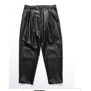 COMOLI - stein FAKE LEATHER WIDE TROUSERS